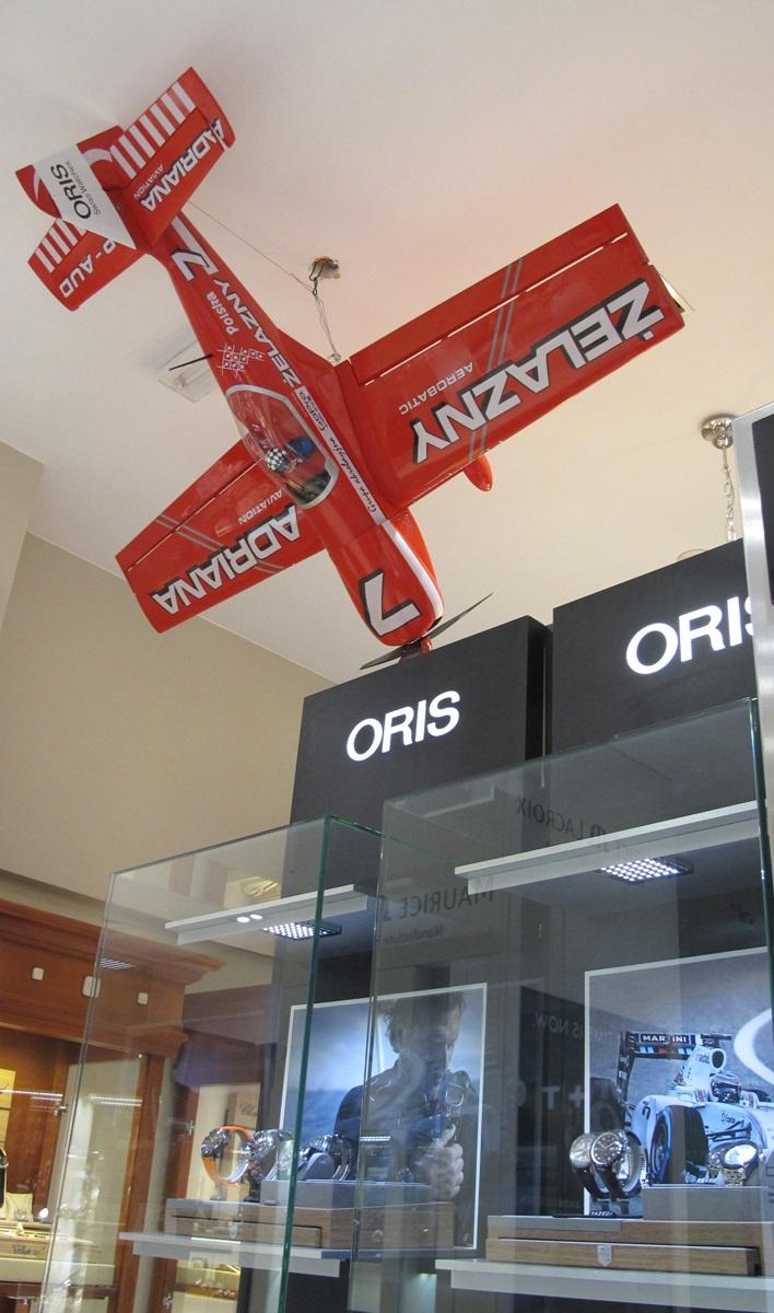 Podniebny samolot i Oris Pro Pilot Żelazny 2 i konkurs Oris i salonu odczasu doczasu