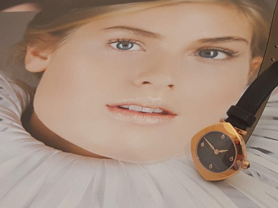 Jaki wybrać zegarek na prezent dla kobiety?