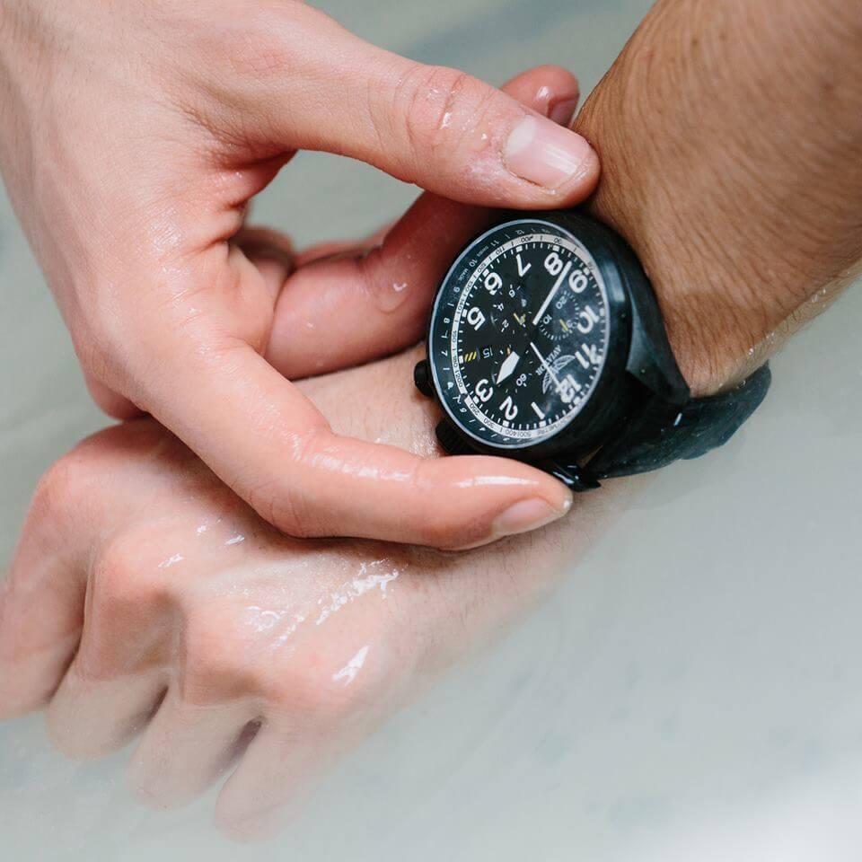 Wodoszczelne zegarki Aviator Airacobra